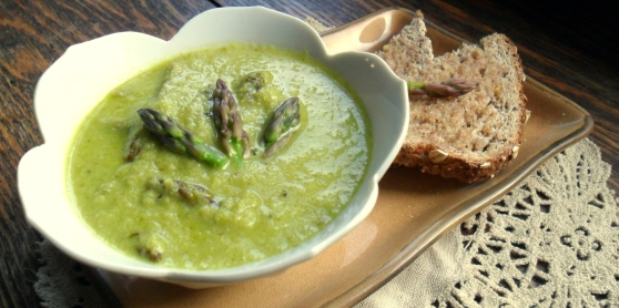 Creamy Asparagus Bisque- Soup Week!