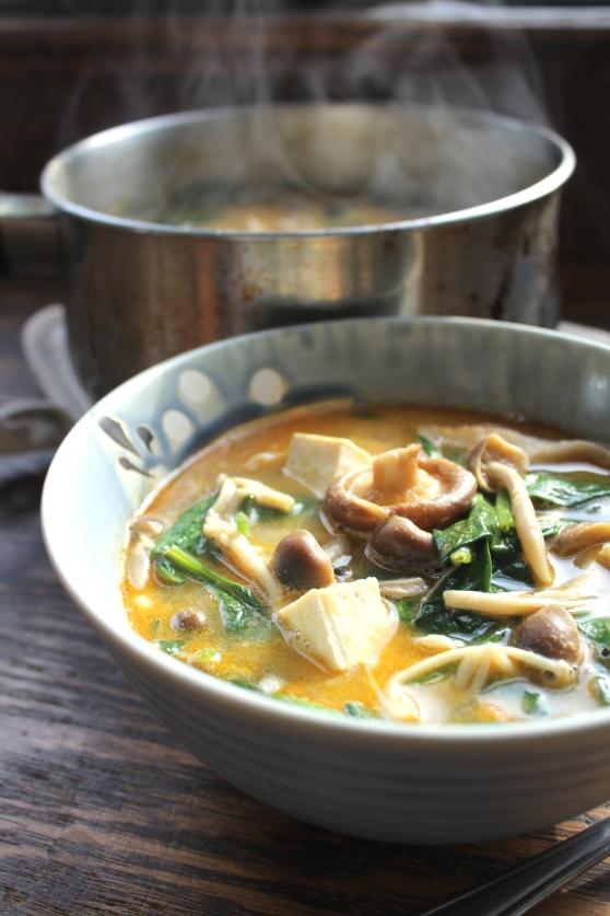 Thai Ginger Peanut Soup (Vegan!)